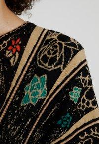 Ivko - DRESS PATTERN - Robe pull - black - 5