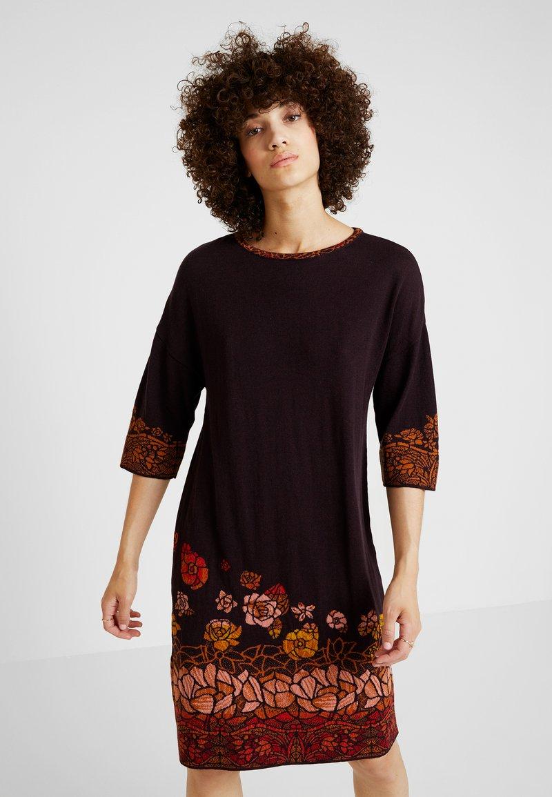 Ivko - DRESS INTARSIA PATTERN - Vestido de punto - brown red