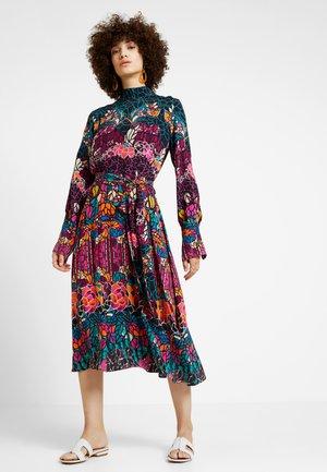 DRESS STRUCTURE PATTERN - Robe d'été - black