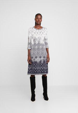 DRESS - Robe pull - off-white