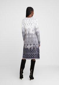 Ivko - DRESS - Abito in maglia - off-white - 3