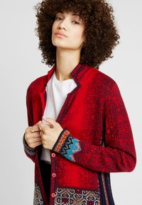 Ivko - GEOMETRIC PATTERN - Strickjacke - red - 3