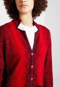 Ivko - GEOMETRIC PATTERN - Strickjacke - red - 4