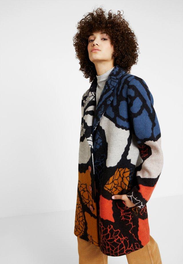 SHORT COAT INTARSIA PATTERN - Zimní kabát - black