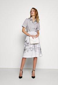 van Laack - RIVEN - Áčková sukně - white - 1