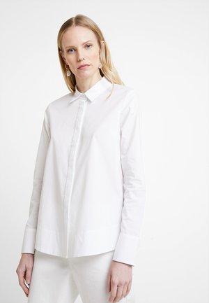 BIRI - Skjortebluser - white