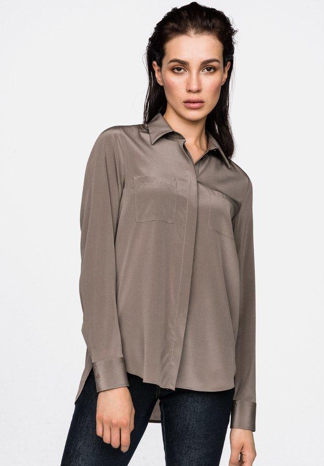 LUZYNDA - Button-down blouse - beige/brown