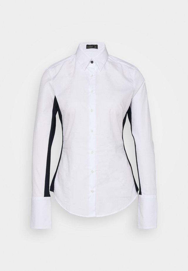 MONICA - Button-down blouse - weiß/blau