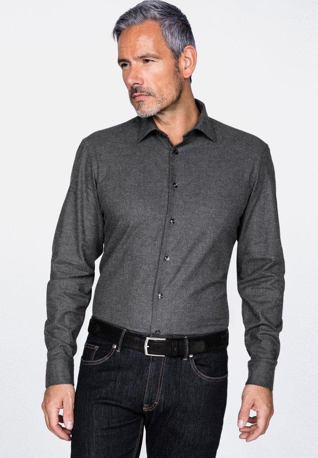 TET2-TF30   FL - Shirt - gray