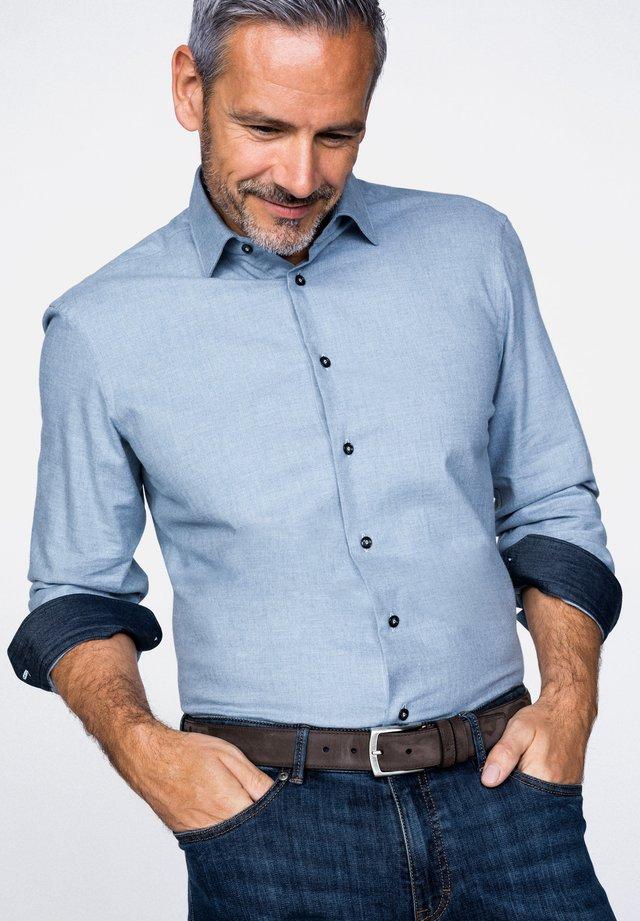TET2-TF30   FL - Shirt - light blue