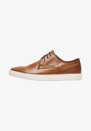 CARLO - Smart lace-ups - brown