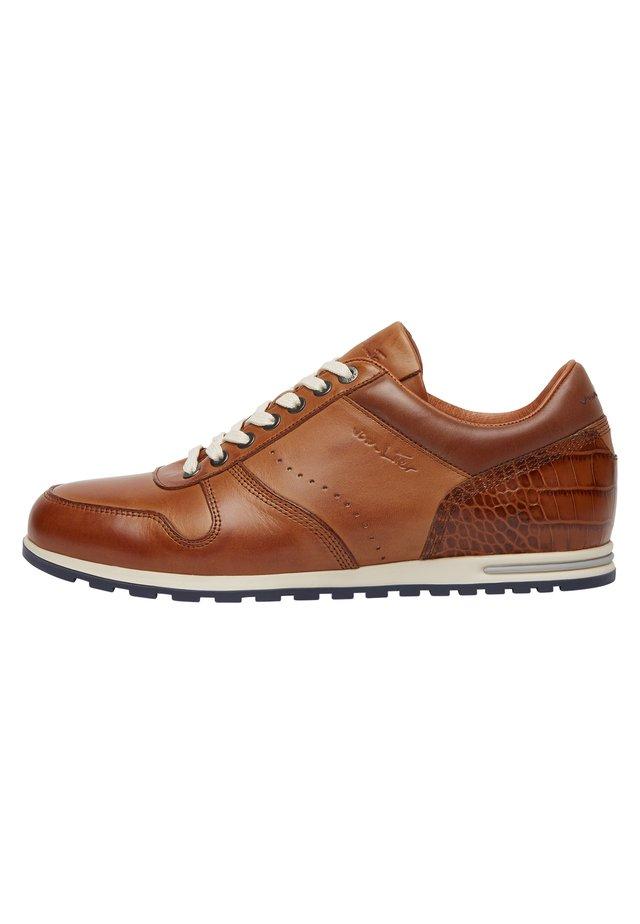 LEONARDO - Sneakers laag - cognac