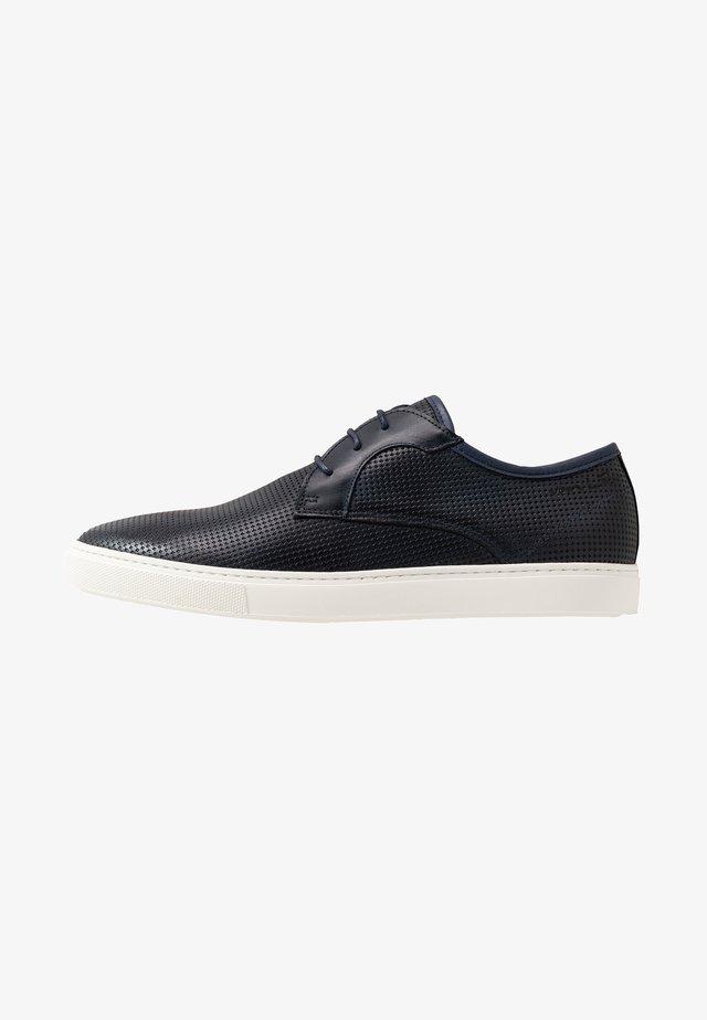 CARLO - Sneaker low - blue