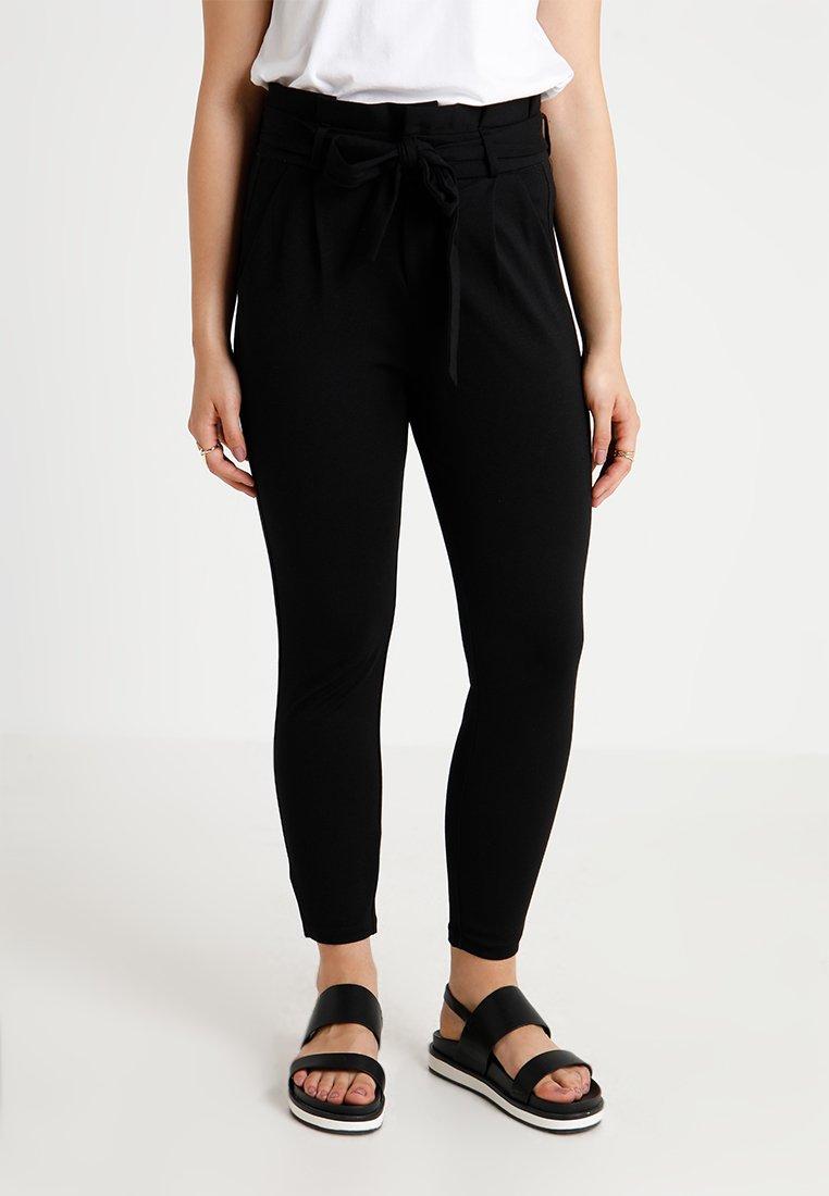 Vero Moda Petite - VMEVA LOOSE PAPERBAG PANT - Stoffhose - black