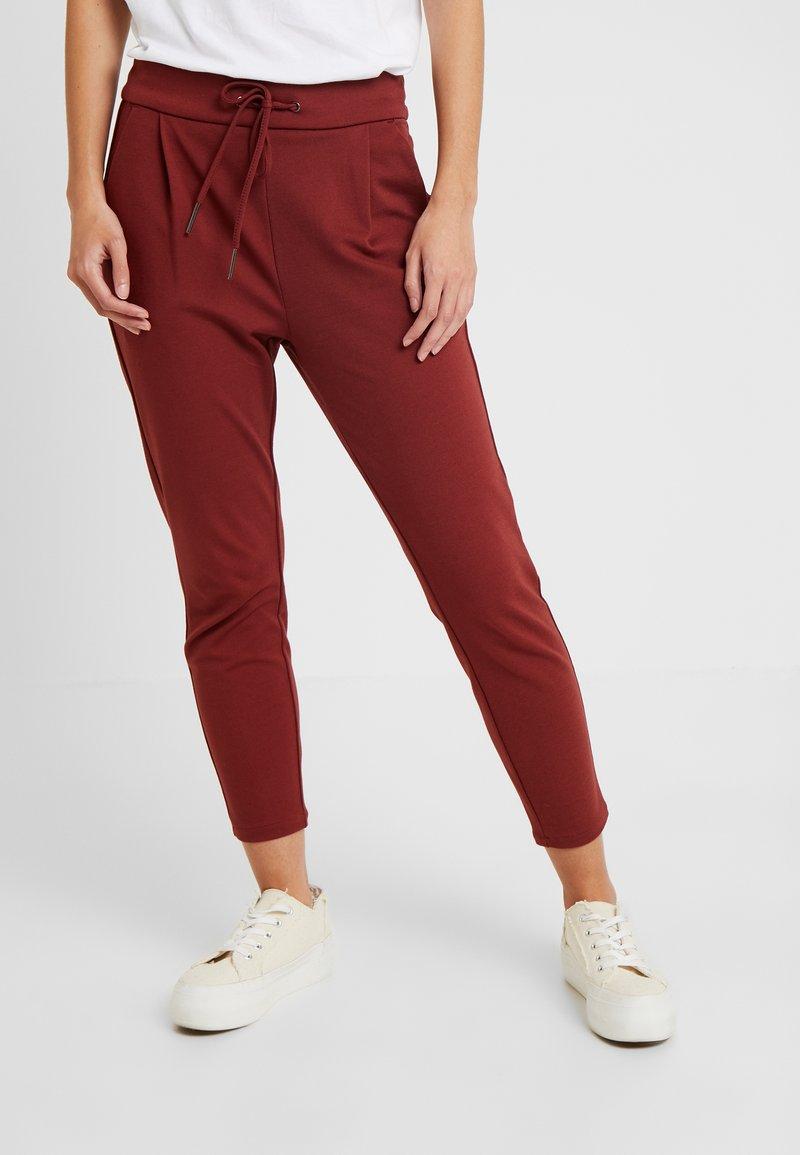 Vero Moda Petite - VMEVA LOOSE PANTS - Stoffhose - madder brown
