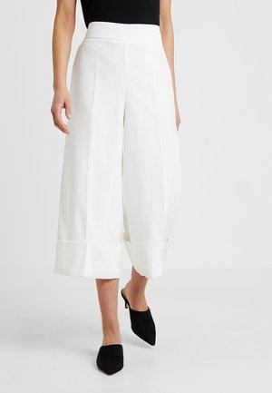 VMPALMA CULOTTE VMA PETITE - Pantalon classique - snow white