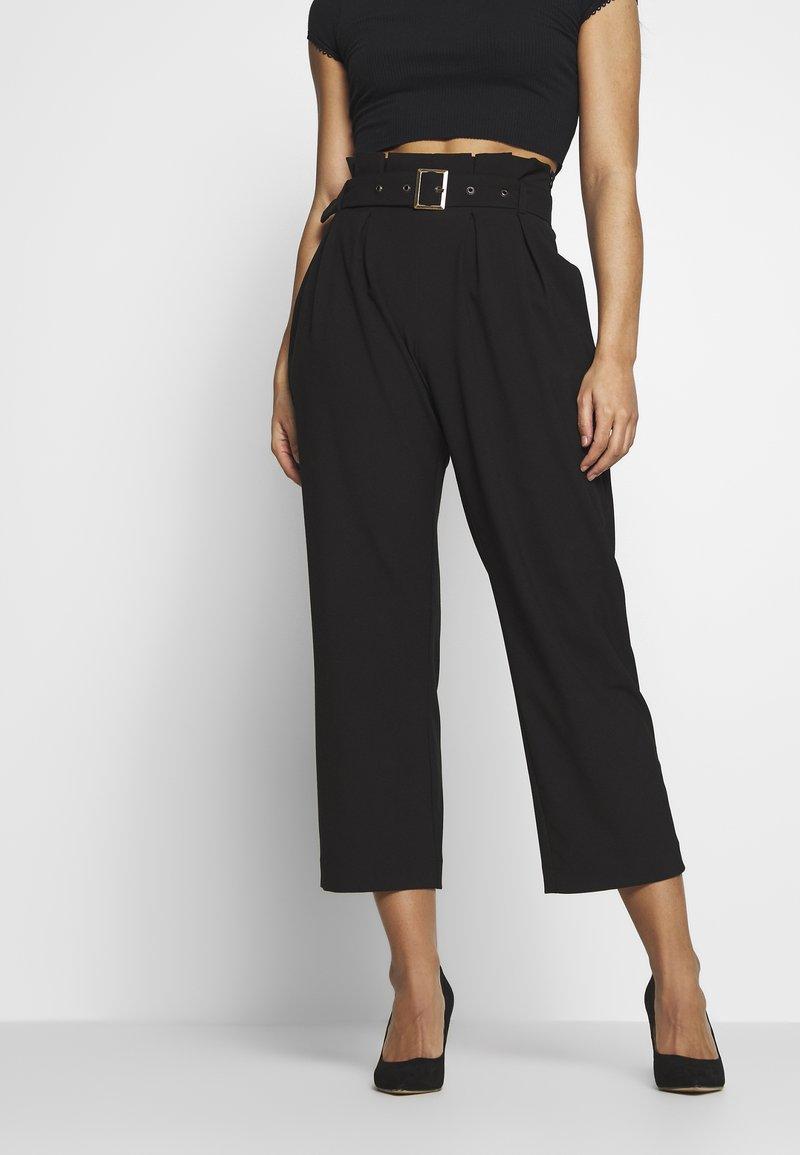 Vero Moda Petite - VMVIKIVI BELT PANTS - Kalhoty - black