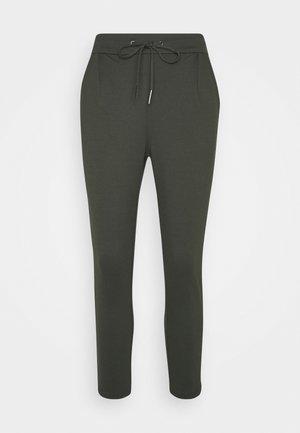 VMEVA LOOSE STRING PANTS - Pantalones deportivos - peat