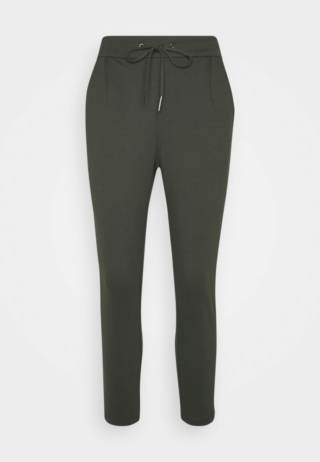 VMEVA LOOSE STRING PANTS - Tracksuit bottoms - peat