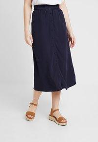Vero Moda Petite - VMGAEL CALF SKIRT - A-line skirt - night sky - 0