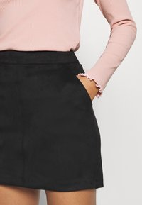 Vero Moda Petite - VMDONNADINA SHORT SKIRT - Minifalda - black - 3