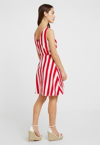 Vero Moda Petite - VMAYA SHORT DRESS - Kjole - snow white/fiery red - 2