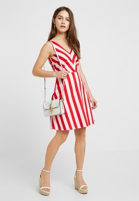 Vero Moda Petite - VMAYA SHORT DRESS - Kjole - snow white/fiery red - 1