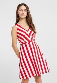 Vero Moda Petite - VMAYA SHORT DRESS - Kjole - snow white/fiery red - 0