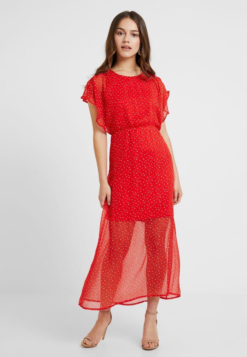 Vero Moda Petite - VMFAY ANKLE DRESS - Maxikleid - fiery red/white