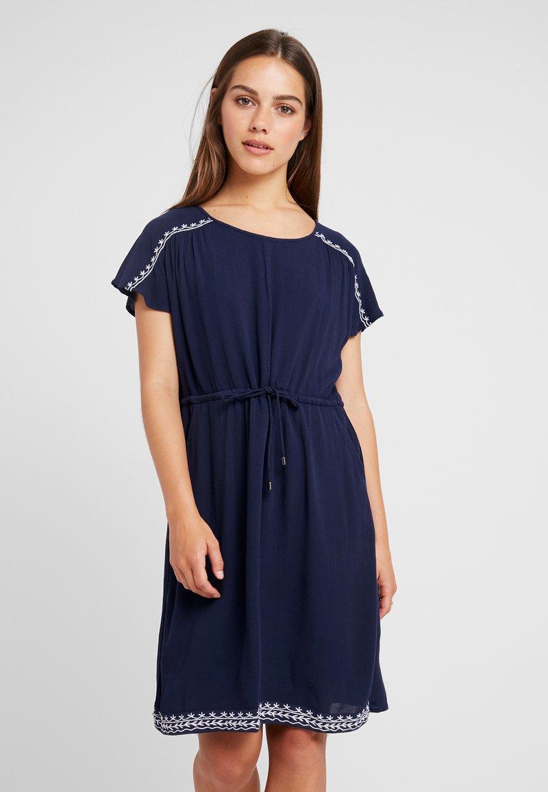 Vero Moda Petite - VMHOUSTON DRESS - Day dress - navy blazer/snow white