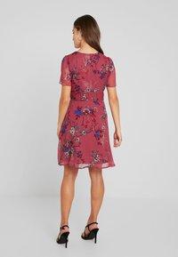 Vero Moda Petite - VMKATINKA  SHORT DRESS - Denní šaty - dry rose/katinka - 3