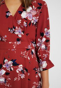 Vero Moda Petite - VMREEDA 3/4 V NECK DRESS - Vardagsklänning - brown - 5