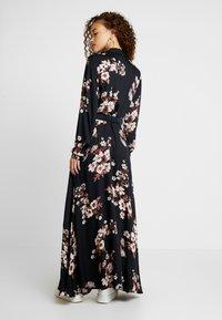 Vero Moda Petite - VMROMA BELT ANCLE DRESS - Długa sukienka - black/belle - 3