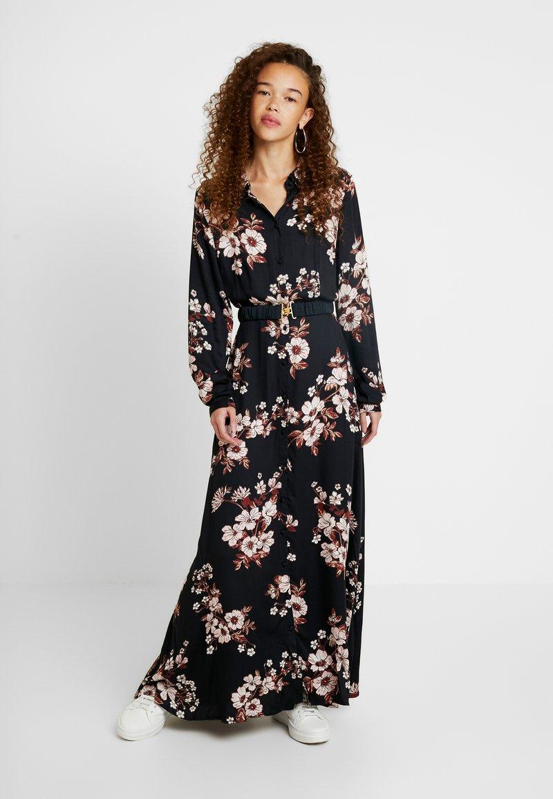 Vero Moda Petite - VMROMA BELT ANCLE DRESS - Długa sukienka - black/belle