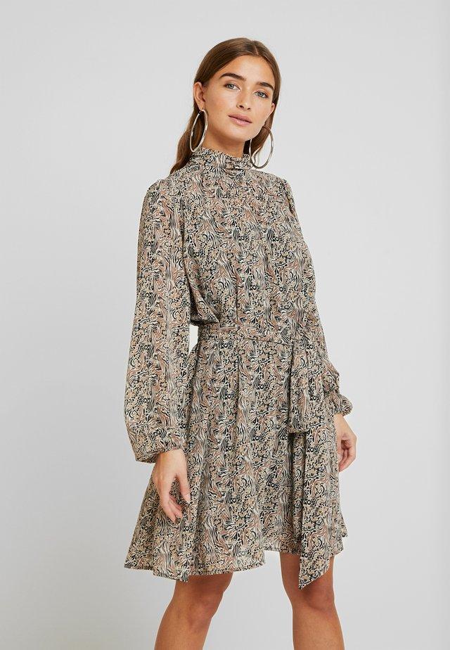 VMJOSEPHINE SHORT DRESS - Sukienka letnia - birch/josephine