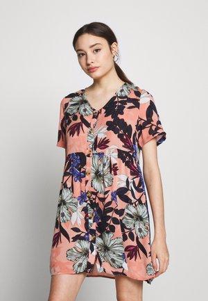 VMATHEN SHORT DRESS VIP - Denní šaty - misty rose