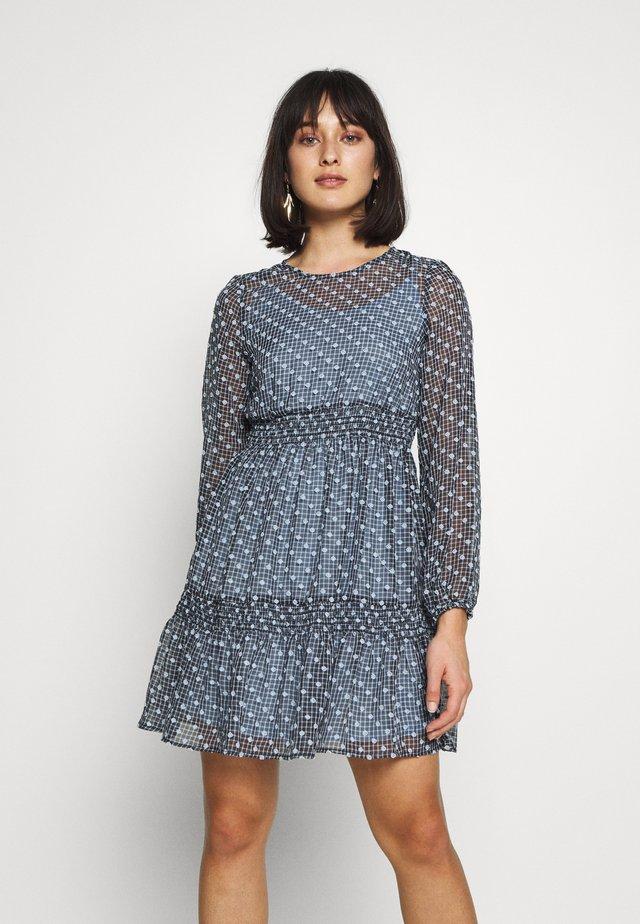 VMCARMEN DRESS - Robe d'été - cashmere blue
