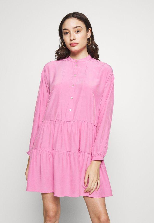 VMMAJA SHORT DRESS PETITE - Korte jurk - rosebloom