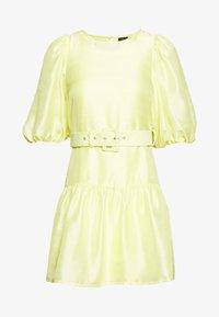 Vero Moda Petite - VMLOUI BELT DRESS VIP  - Vestido informal - sunny lime - 0
