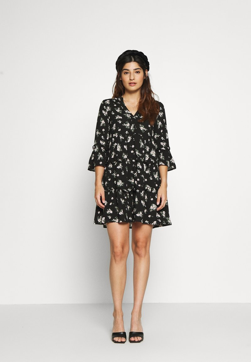 Vero Moda Petite - VMSIMPLY EASY SHORT DRESS  - Day dress - black