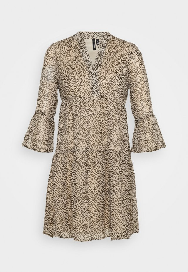 VMKAY 3/4 SHORT DRESS  - Korte jurk - tan