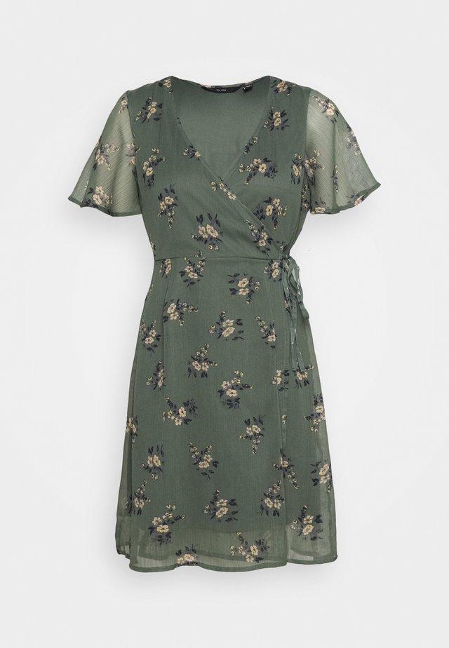VMKAY WRAP SHORT DRESS - Robe d'été - mint