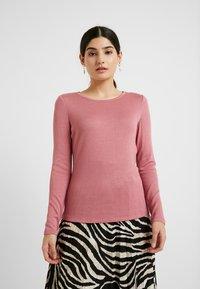 Vero Moda Petite - VMBIRTHE O-NECK - Trui - mesa rose - 0