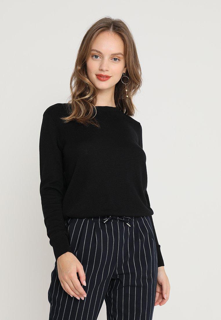 Vero Moda Petite - VMMILDA O-NECK PETITE - Strickpullover - black