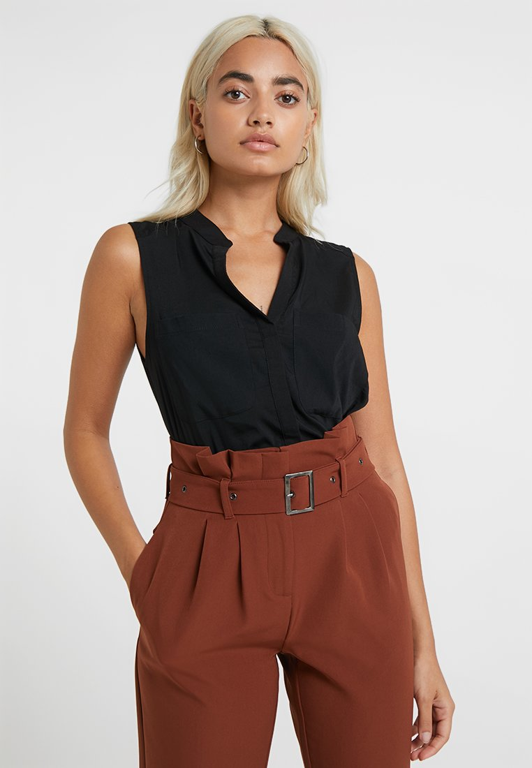 Vero Moda Petite - VMERIKA SOLID - Blouse - black