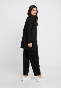 Vero Moda Petite - VMBRINE - Blazer - black - 2