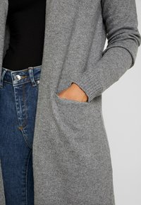 Vero Moda Petite - VMBRILLIANT LONG OPEN CARDIGAN - Kardigan - medium grey melange - 4