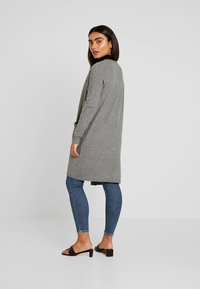 Vero Moda Petite - VMBRILLIANT LONG OPEN CARDIGAN - Kardigan - medium grey melange - 2
