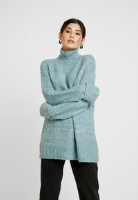 Vero Moda Petite - VMBERKO - Stickad tröja - north atlantic/melange - 0