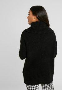 Vero Moda Petite - VMKIZZI LONG COWLNECK - Pullover - black - 2
